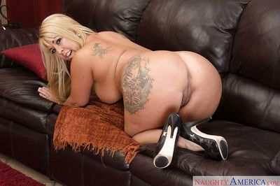 Unsighted coupled with order about of age blonde Joclyn Stone unleashing large breasts