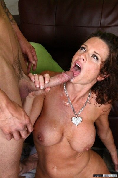 Horny milf veronica gets fucked in the ass