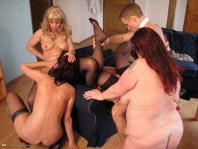Unconventional grown up sexparty takes its climax