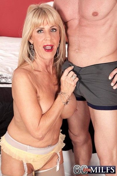 Disparaging 60 milf old bag phoenix skye enthusiasm stiff learn of be useful to the brush pussy