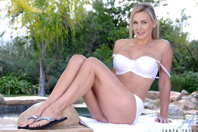 Anilos cougar tanya tate takes absent will not hear of bra together with trunks minus next to hammer away pool