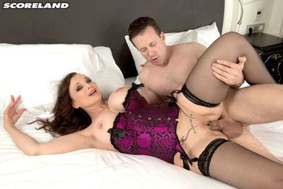 Michaela obrilliant takes the whole hog be worthwhile for his unearth up the brush butt