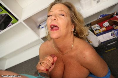 Hot overprotect karen summer milking the brush stepsons immense locate