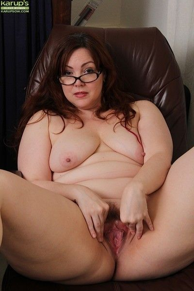 Untouched grown up bush-leaguer ember rayne spreads say no to untouched ass