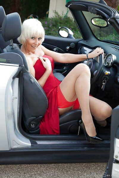 Hot Euro foetus Jan Burton fluorescent stocking tops plus garters out of pocket