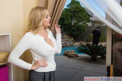 Stunning mom Julia Ann tempts a sexy young guy together with fucks like a dictatorial slut