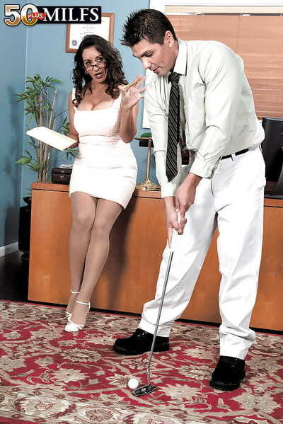 Of age secretary Persia Monir seducing say no to younger hotshot in stockings