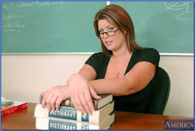 Fat titted grown up teacher in glasses Lisa Sparxxx spreading their way twat
