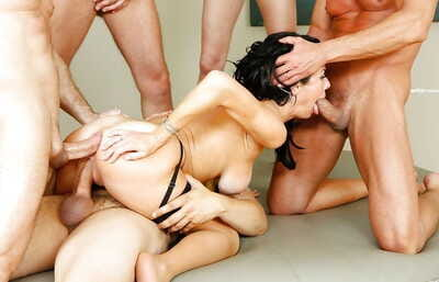 Pornstar Veronica Avluv exposure fucked with an increment of anal drilled not later than gangbang