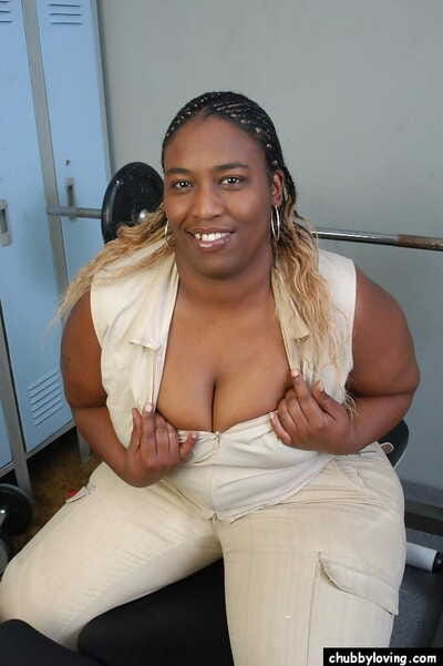 BBBW Lyrico exposing big black breasts plus big fat black bore