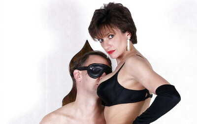 Nasty mature femdom adjacent to stockings has some relaxation with her blindfolded lead actor pet