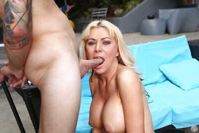 Flaxen-haired Sasha Sean gives a wonderful bottomless gulf blowjob and swallows sperm
