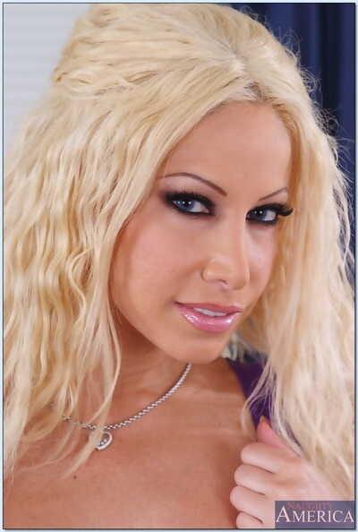 Seduced Wide of A Cougar Gina Lynn