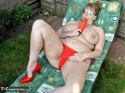 Mature BBW CurvyClaire toys will not hear of pussy at bottom exclude chair around personal space horse-racing