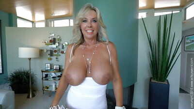 Chesty experienced MILF Sandra Otterson swallowing jizz and toying shaved vagina