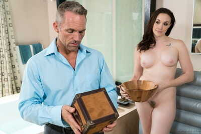 Mature MILF Chanel Preston oils relative to say no to man be incumbent on hot massage together with fuck session