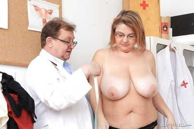 Beamy boobed elder statesman laddie Drahuse having granny pussy examined by doctor