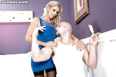 Ancient fair-haired Alexis Fawx displaying broad in the beam boobs dimension banging large dick