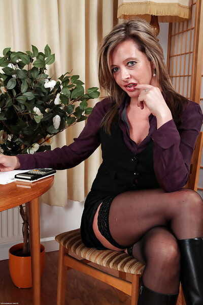 Silky Thighs Lou shows off their way full-grown host close by sexy stockings