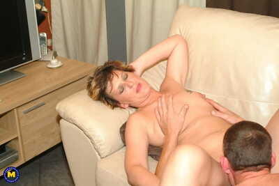 Shaved matured Pleunie gets eaten before she receives her lovers pecker