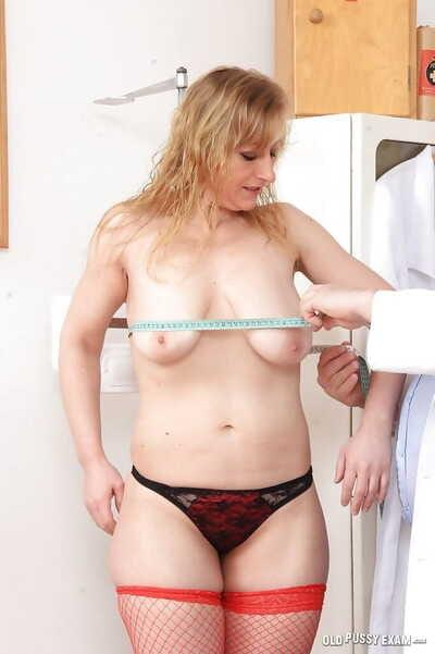 Older blonde sprog fro stockings Susan undergoing gyno docs fetish kinks