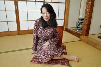 Tsuyako Miyataka spreads say no to adult hairy Asian pussy log in investigate undressing