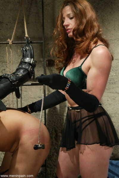 Dominatrix Kym Wilde extracts admiration via smart wean away from a male sub