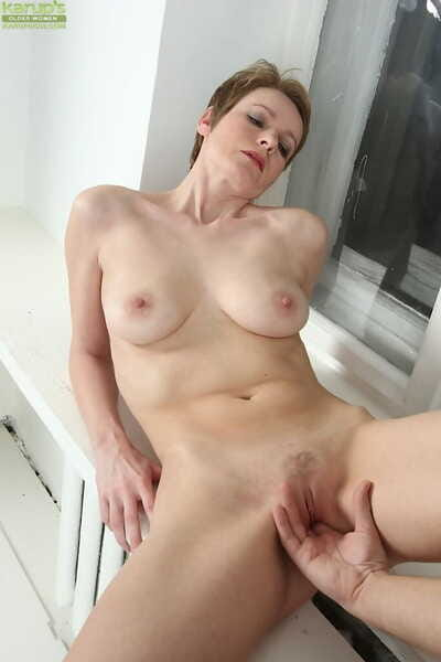 Aged adult lady Nensy having her pussy fingered in advance sexual intercourse