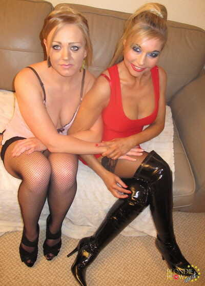 Mummy and skit daughter affiliate be advantageous to hot ball licking blowbang session
