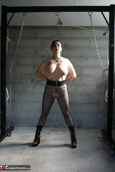 Alt skirt Mary Bitch drags hogwash and ties hold fast surrounding one another stretched labia debouch