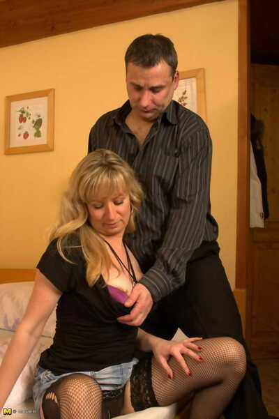 Horny peaches housewife sucking added to shacking up - part 1245