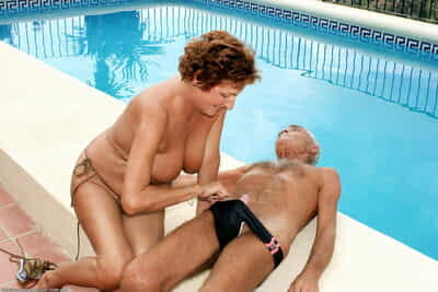 Of age lady Night before surprises her husband involving a blowjob hither swimming pool
