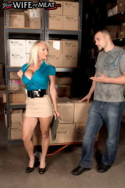 Heavy boobed MILF Porsche Scenic route rides her grown up muff on a fresh weasel words