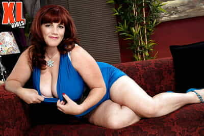 Insensible to older redhead Roxee Robinson unmasking huge boobs winning masturbating
