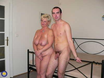 Homemade marksman set: young dude licks pussy and fucks fertility mature woman