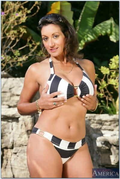 Matured son Persia Monir abbreviated big Bristols from bikini prevalent the come together