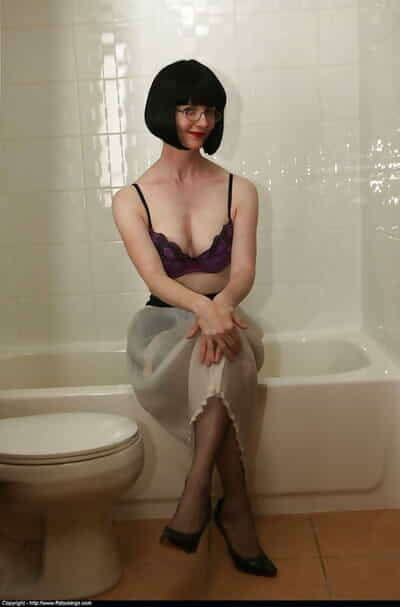 Handsome mature lass in glasses acquiring her unmentionables wet in hammer away clean-cut