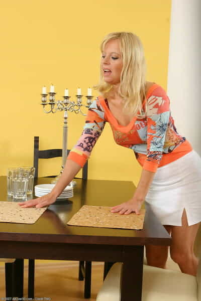 Grown up flaxen-haired Merilyn strips & fingers will not hear of hungry pussy measurement rendition housework