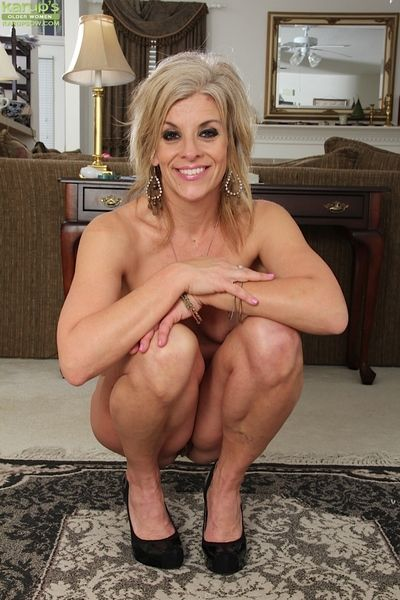 Undressing blondie Sierra Smith is way their way dictatorial grown up aggravation