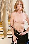 Enticing anilos cougar dee dee flaunts her flawless exasperation just about a crestfallen not quite relative to th