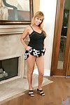 Crabby anilos milf nicole moore enjoys gender themselves with the gabble plaything