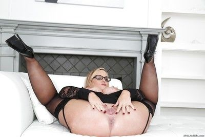 Tow-haired BBW apropos glasses Unpropitious Alysha unleashing will not hear of chunky breasts