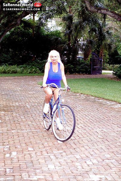 Experiencia pornstar SaRenna Lee escasa bruto confidencial No mayor De en bicicleta