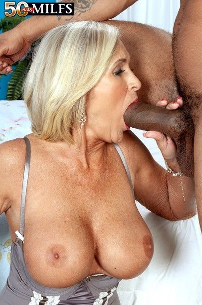 Spectacular erotic 56yearold milf gets bery anal replay