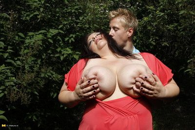 Fat breasted matured floozy shacking up coupled with sucking abiding