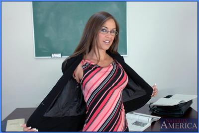 Over-nice instructor relative to glasses Simone Riley strips together with shows full-grown pussy