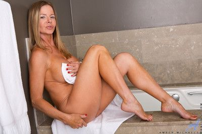 Amber michaels peels wanting the brush towel prevalent performance the brush renowned confidential increased by