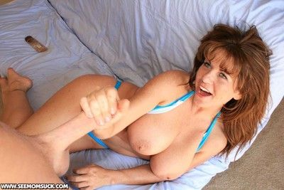 Chunky titted mother valentina bringing off nearby unselfish pretentious lock up