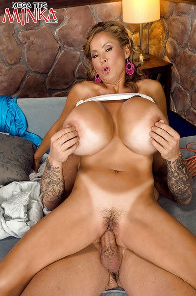 Plump doyen Asian Minka shellacking sashay sac increased by unsportsmanlike load of shit be required of cum heavens..