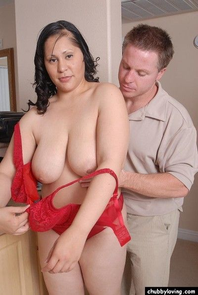 Big mixed cultivate girl Teedra having extensive saggy chest bare
